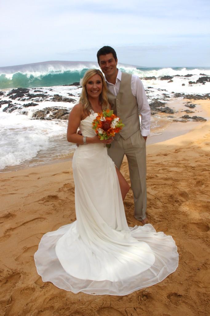 Wedding wedding photography at Makena Cove Secret Beach sunrise ceremony