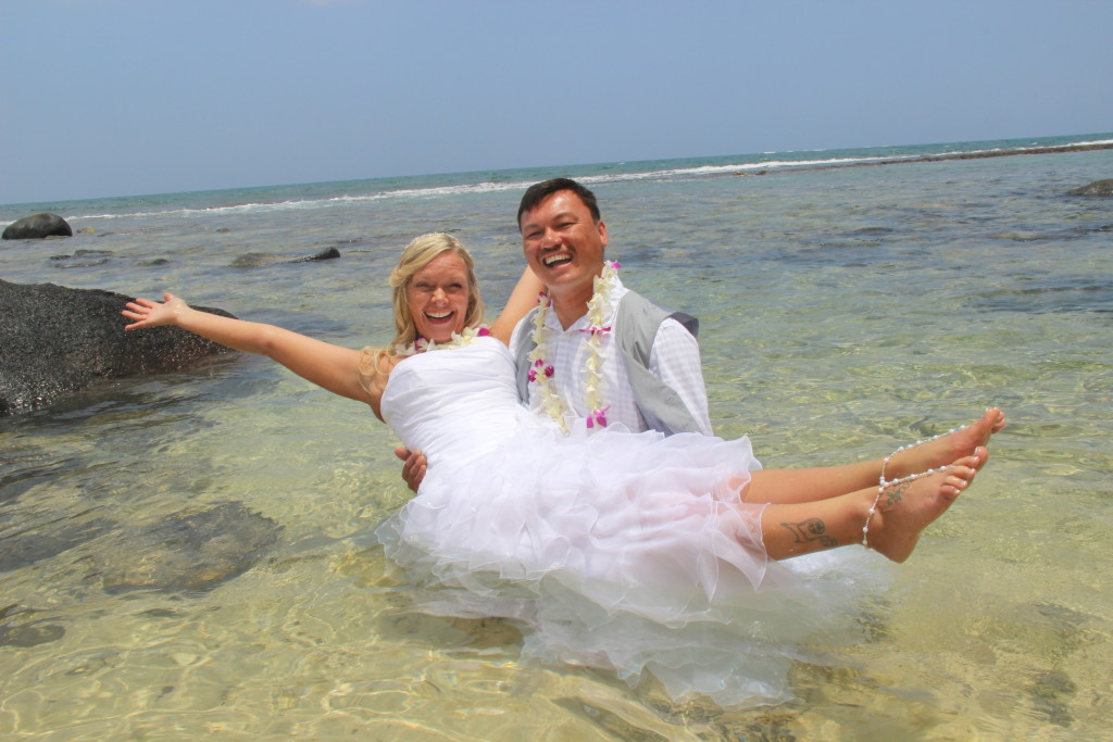 Barefoot Maui Wedding Wedding photography Trash the Dress at Makena Cove Secret Beach