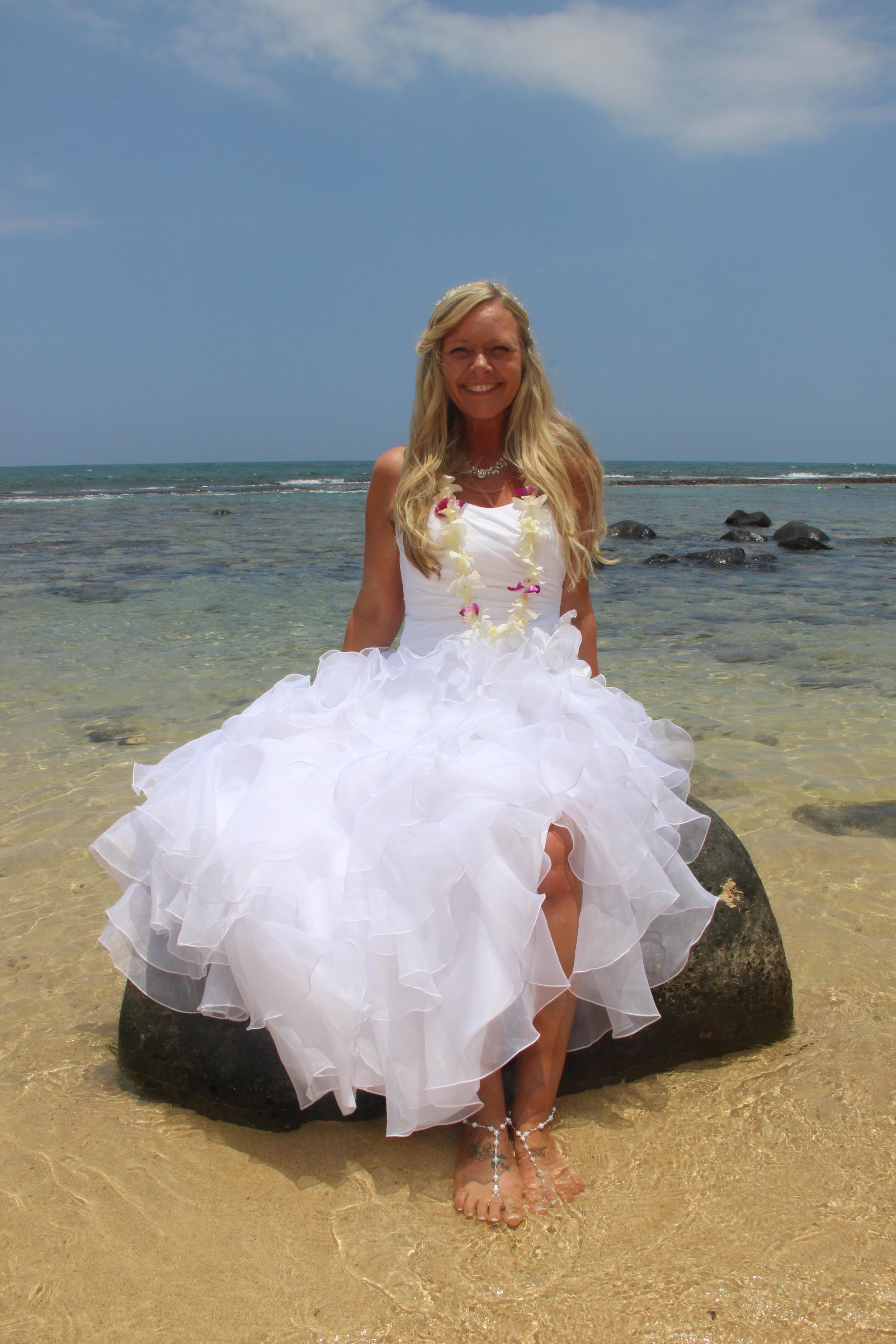 "Barefoot Maui Wedding"" Wedding Photography €�trash The Dress"" At Makena Cove Secret Beach: Beach Trash Dress Wedding Dresses At Websimilar.org"