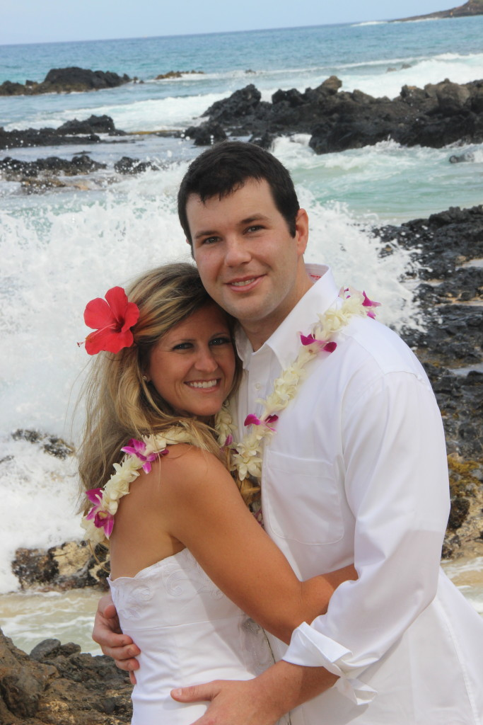 Barefoot Maui Wedding beach ceremony wedding photo shoot Makena Cove Secret Beach