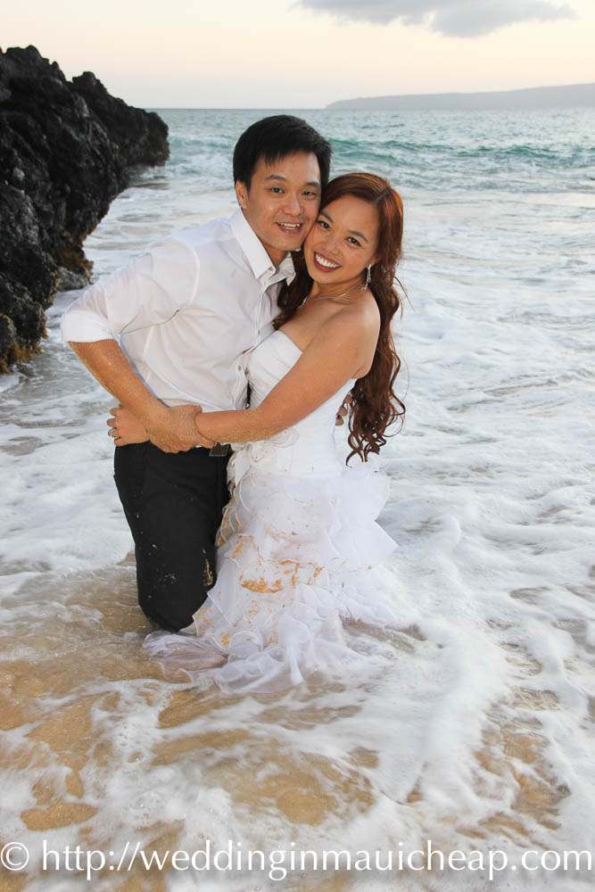 Wedding in Maui Cheap Affordable Maui beach wedding and vow renewal