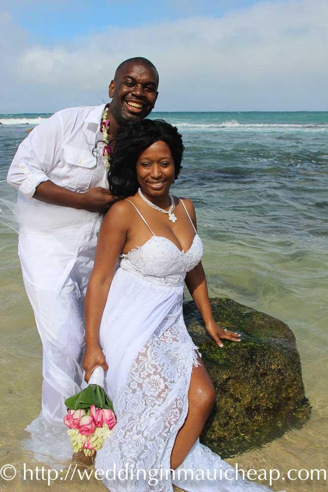 fcd42eea77 Affordable Barefoot Maui Wedding unforgettable beach photos Trash the Dress
