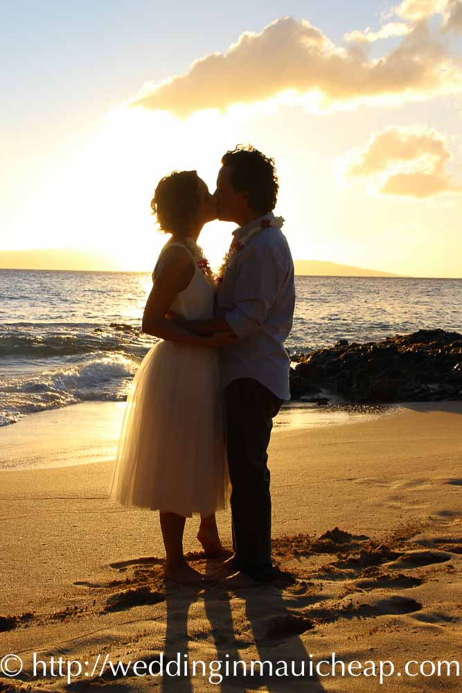 Affordable Barefoot Maui Wedding sunset beach wedding photos