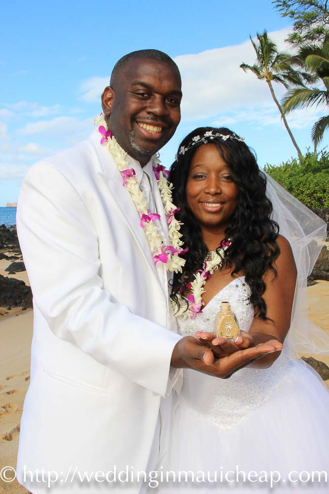 $649 Hawaiian Themed Ceremony and Photography